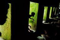 Giochi di ombre, Preah Khan, Angkor, Cambodia, 1999. Foto Ufficio Stampa della mostra