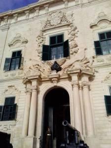 La facciata del palazzo del primo ministro a La Valletta. Foto dell'autore