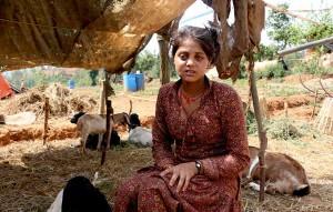 Nepal: Sabina Dauwar è incinta di tre mesi. La sua casa è stata completamente distrutta lo scorso 15 aprile 2015. Foto di Santosh Chhetri per UNFPA