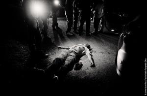 ©Javier Argenillas. Herman Omar Benegas Palma, membro di una gang è stato ucciso nella sua auto raggiunto da 40 colpi di arma da fuoco a San Pedro Sula.