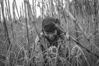 06-Ragazza di Sirubari nei campi