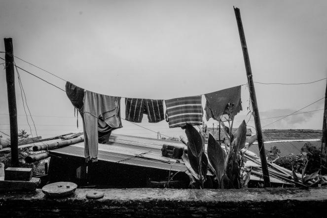13-Panni stesi nel villaggio di Lwang