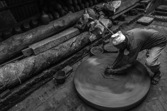 Ogni oggetto viene fatto a mano con pazienza, Bhaktapur